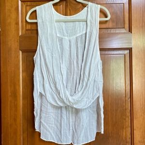 UO Silence + Noise White high low blouse